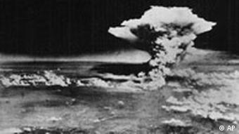 Atombomben-Explosion über Hiroshima
