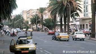 Straßenszene in der Independence Avenue in Asmara, Quelle: dpa