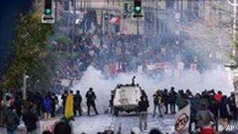 Violent protests during the WTO summit in 1999 in Seattle