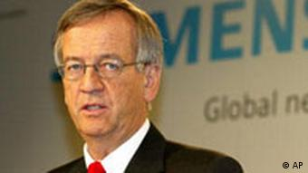 Heinrich von Pierer stepped down from his post in 2007