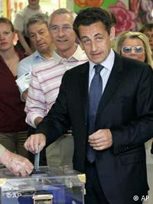 Wahlen in Frankreich 2007 - Sarkozy wählt