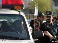 کنترل حجاب زنان در خیابان و بازداشت بخاطر «بدحجابی»