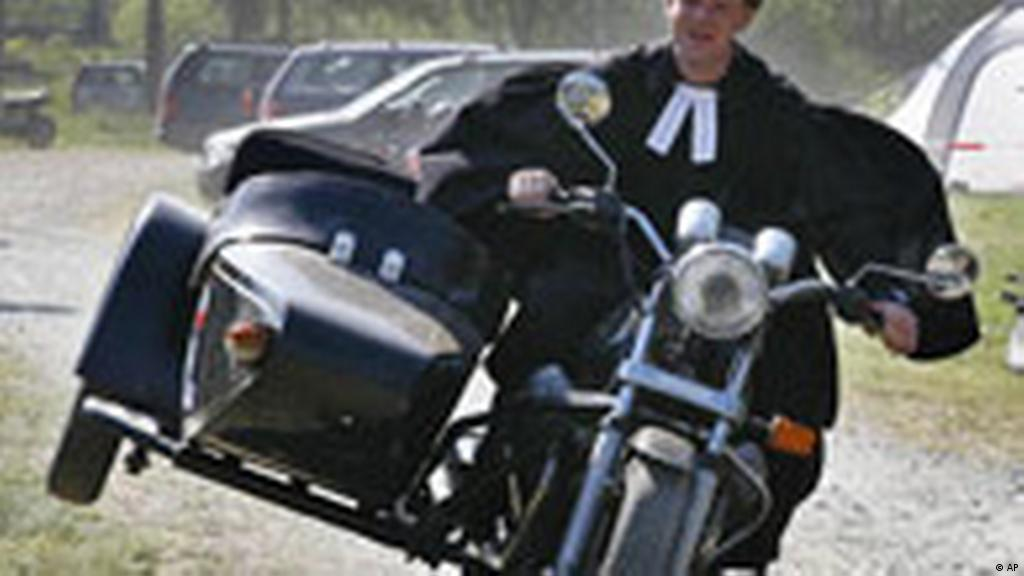 Born to be     born again? Germany′s biker churches grow popular