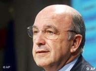 Der EU-Wirtschafts- und Finanzkommissar Joaquin Almunia (Quelle: AP)