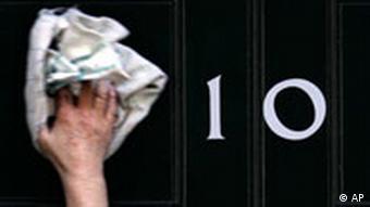 Großbritannien Tony Blair gibt Rücktritt bekannt