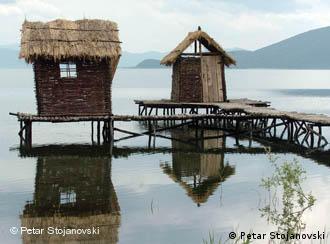 Преспанското Езеро со своите вредности претставува природно богатство не само на Македонија, туку и на Балканот