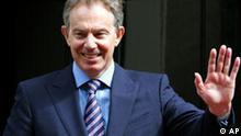 Großbritannien Tony Blair vor 10 Downing Street