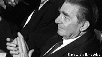 7c9108410 1987: Lançamento de ″Asas do Desejo″ | Fatos que marcaram o dia | DW ...