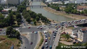 Vardar Fluss im Zentrum von Skopje, Mazedonien