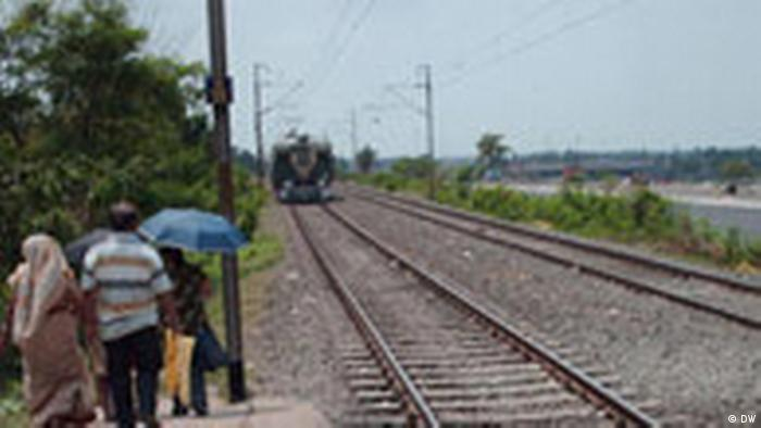 Regional Bahn in West Bengalen,Indien.jpg (DW)