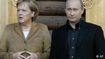 Russland EU-Gipfel in Samara Wladimir Putin und Angela Merkel