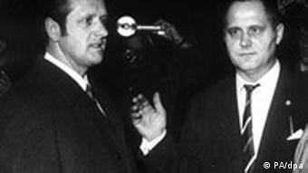 Former West Berlin police officer Karl-Heinz Kurras and his lawyer in 1970