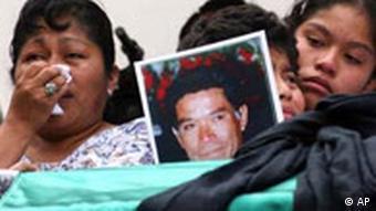 Proteste in Oaxaca Beerdigung von Jose Jimenez