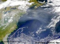 Satellite picture of the North American east coast and the Atlantic Ocean
