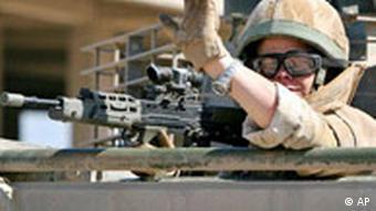 Großbritannien Irak Soldat bei Basra Tschüß