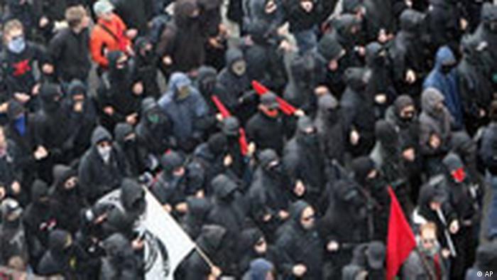 G8 Gegner, Schwarzer Block, Demonstration