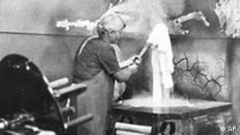 Wäsche waschen im Jahr 1907 - Persil feiert Geburtstag