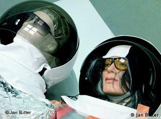 Pavilhão alemão da Bienal de Veneza: 'esculturas de astronauta'