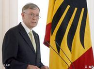 Horst Köhler pide moderación.