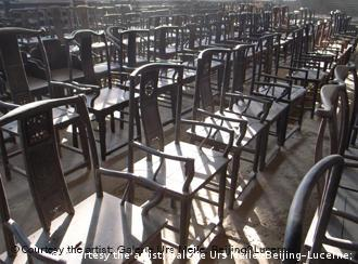 The 1,001 Chinese visitors will also be accompanied by 1,001 chairs
