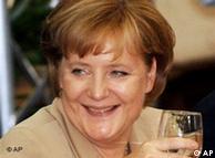 En junio, la canciller Merkel salió de la cumbre europea entre sonrisas.