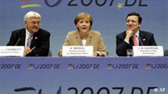 EU Gipfel in Brüssel Steinmeier Merkel und Barroso