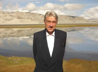 顾彬教授在新疆