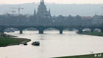 Bridge spanning the river in Dresden