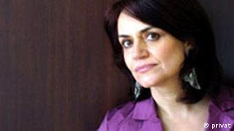 شهلا شفیق، داستان سوگ او در کتاب عشق در ادبیات داستانی... بررسی شده است