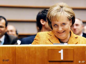 Merkel recebe elogios em Bruxelas