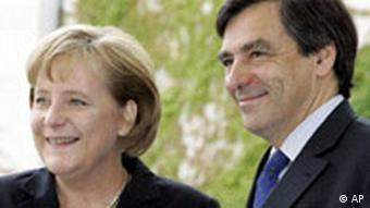 Deutschland Frankreich Ministerpräsident Francois Fillon in Berlin Angela Merkel