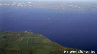 Luftaufnahme des Fehmarnbelts zwischen Puttgarden und dem dänischen Rödby