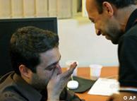 محمد قوچانی  (چپ) در کنار عباس کوثری، عکاس روزنامهی
