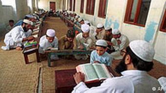 Koranschule in Lahore (Foto: AP)