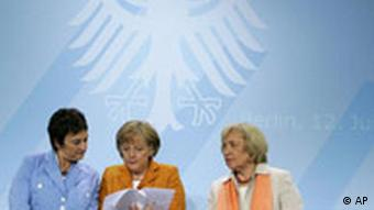 Integrationsgipfel - Zypries, Merkel, Boehmer