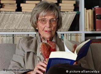 La psicoanalista Margarete Mitscherlich sigue atenta a lo que ocurre en la sociedad alemana.