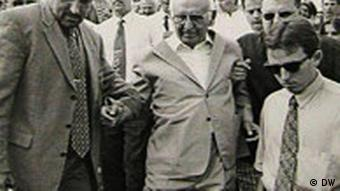 Архивна снимка: Тодор Живков и охранителят му Бойко Борисов