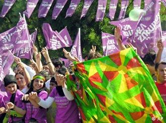 شادی کردها از ورود نمایندگان احزاب کرد به پارکمان ترکیه