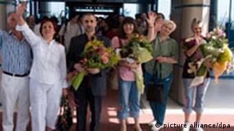 Freigelassene bulgarische Krankenschwestern bei Ankunft in Sofia