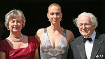 Wolfgang, Katharina und Gudrun Wagner bei Eröffnung der Wagner-Festspiele