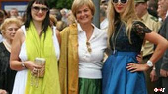 Princess Gloria von Thurn und Taxis with her daughters