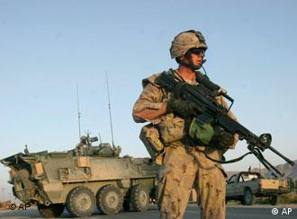 NATO-Soldat in Afghanistan, Quelle: AP
