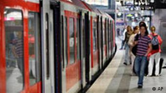 Deutschland Tarifvertrag Verkehr Bahn Deutsche Bahn Streik S-Bahn Hamburg
