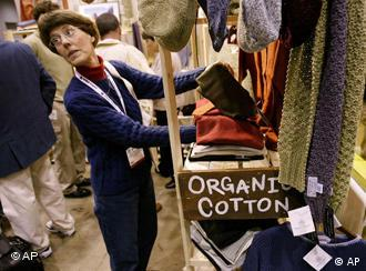 An organic cotton stand at a trade fair in Chicago
