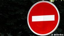 Schild einer Einbahnstrasse, Einfahrt verboten