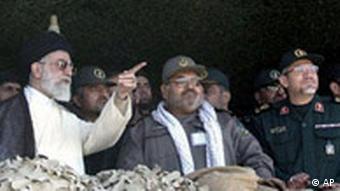 رهبر ایران از نقش نیروهای بسیج در آنچه فتنه سال ۸۸ خوانده تمجید کرد