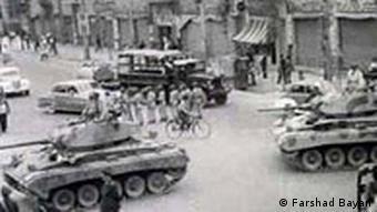 تانکها در روز ۲۸ مرداد ۱۳۳۲ در خیابانهای تهران