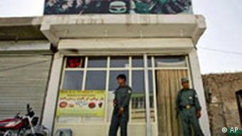 Grillimbiss von außen (AP Photo/Saurabh Das)