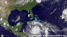Handout satellite image captured and released 20 August 2007 at 11:45 GMT of Hurricane Dean as it moves towards the Yucatan Penninsula (L) in the Caribbean Ocean. Hurricane Dean is the first Atlantic hurricane of the season and is currently a category 4 storm on the Saffir-Simpson scale. Foto: Deutscher Wetterdienst/DWD dpa(ACHTUNG: Veröffentlichung nur mit Quellenangabe) +++(c) dpa - Report+++
