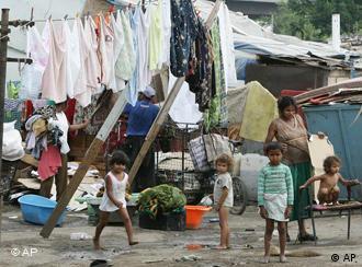 Família rom em Belgrado